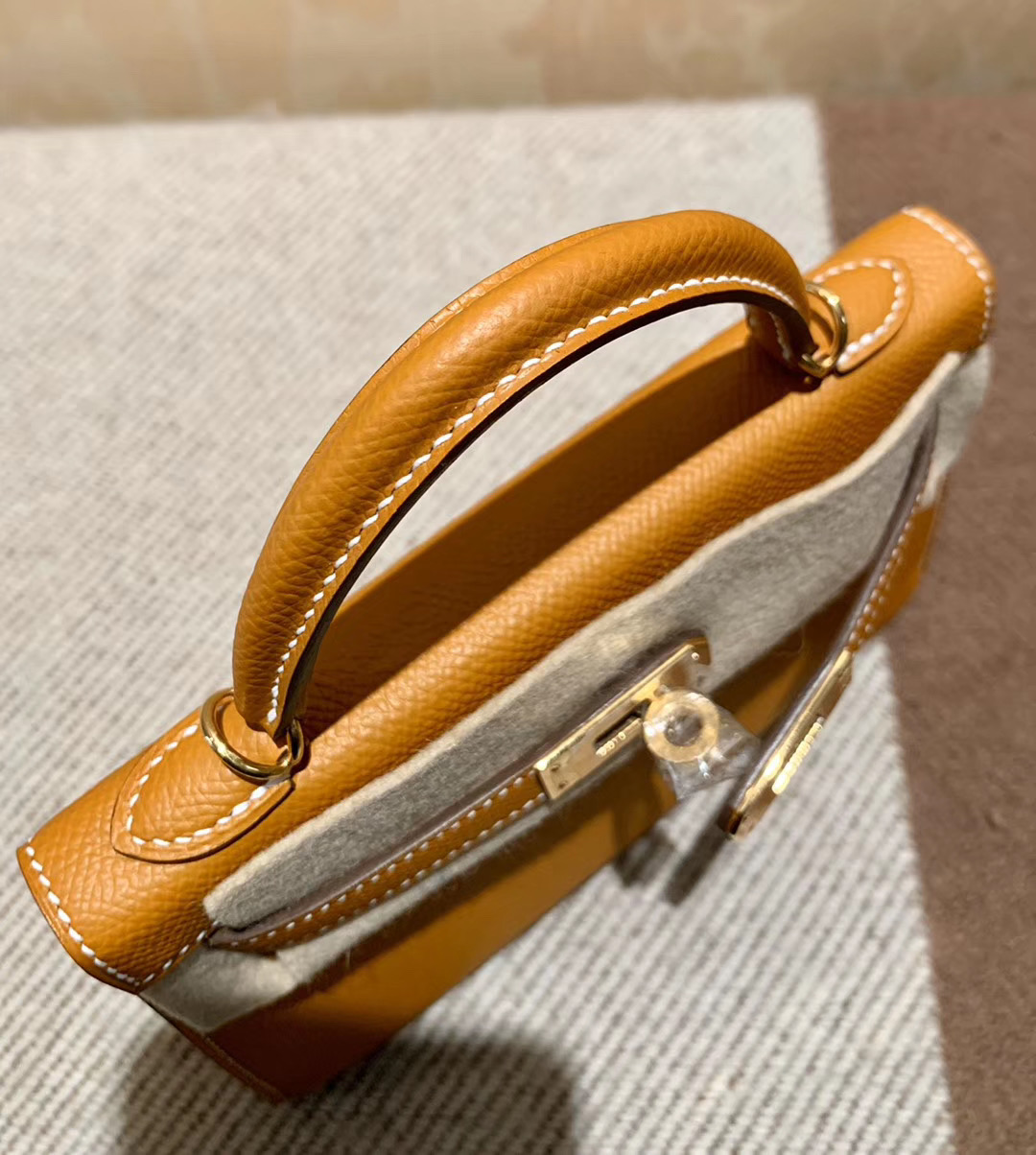 爱马仕 Hermes Mini Kelly 19CM 太妃金 金扣 Epsom皮