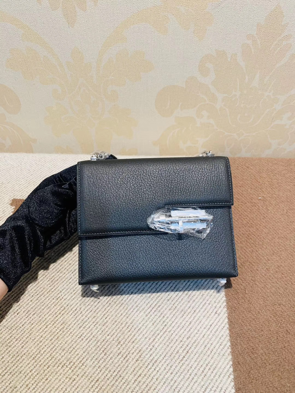机关枪 叉烧包 Verrou 小号17cm 89黑色Noir 山羊皮 银链,大气 有点小酷的感觉  百搭款