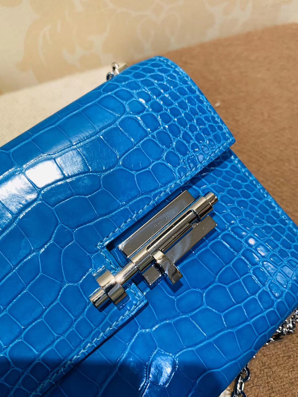 极美:机关枪 叉烧包 Verrou 小号17cm 亮面方块鳄鱼 7q 希腊蓝 米克诺斯蓝 爱琴海蓝 Mykonos 银链,最纯粹的蓝色